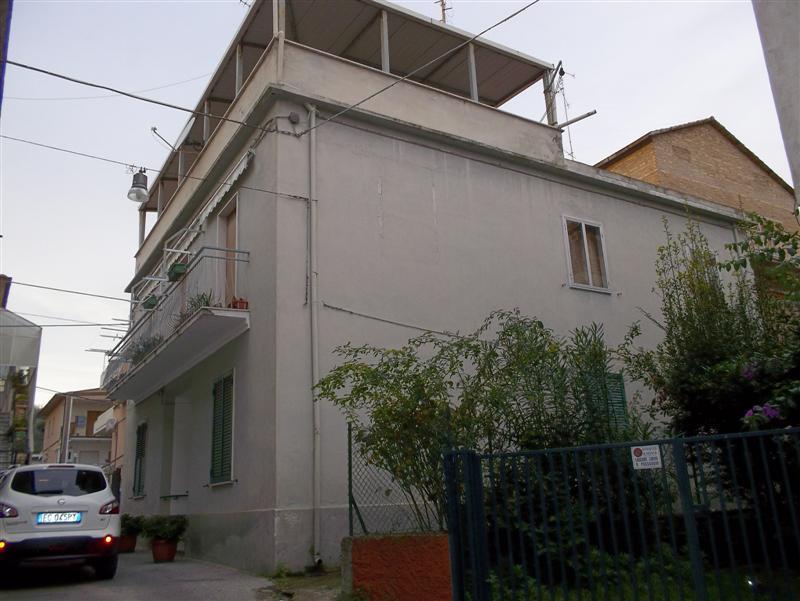 Immobili in vendita in abruzzo casa indipendente in centro for Case in vendita vasto