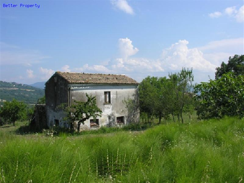 Immobili in vendita in abruzzo casa di campagna palmoli for Piani casa colonica di campagna