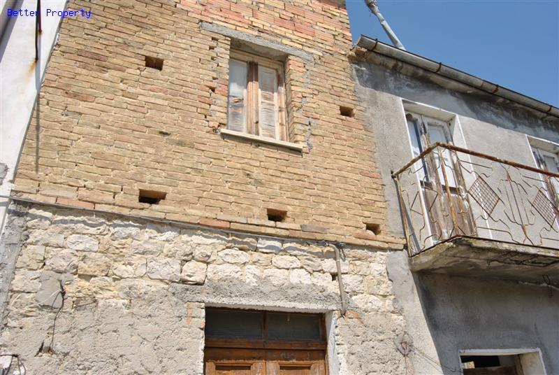 Immobili in vendita in abruzzo casa costruita affiancata for Casa costruita