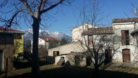 Cottage rustico con terreno edificabile